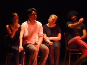 Claire, Chris, Tina und Nader